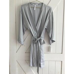 Knee-length Robe